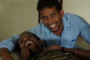 Delip et Santhosh, volontaire indien