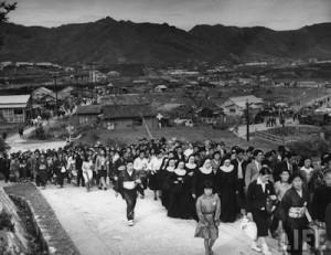 Nagasaki-juin-1949-messe-pontificale-pelerinage-05